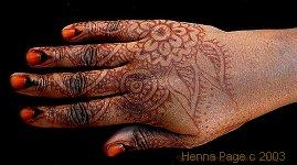 Henna Tattoo How To : Why you should avoid black henna tattoos