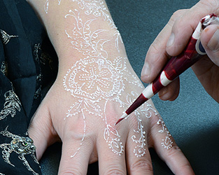 Mehndi Henna Kit Review : The henna page white henna: what it is and how to use from